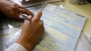 Кто оплатит больничный если работодатель не оплачивал взносы